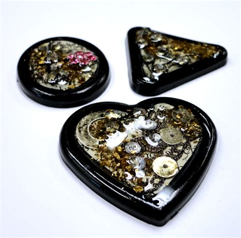 resin jewelry resin crafts jewelry resin and buttons