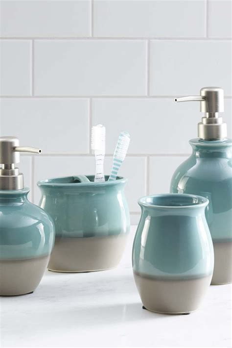 bathrooms accessories ideas 25 best ideas about teal bathroom accessories on