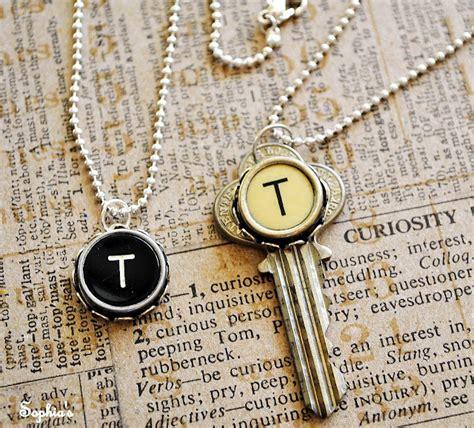 how to make typewriter key jewelry recycle typewriter into jewelry the beading