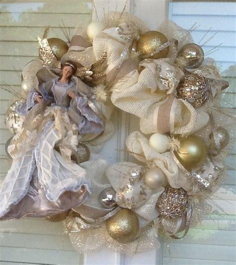 elagant angle ivory burlap wreath