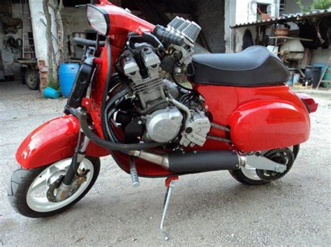 Modifikasi Vespa Excel Retro by Vespa With Yzf Engine World S Fastest Vespa