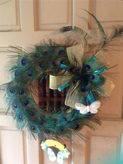 feathers for craft projects genuine peacock feather wreath craft ideas