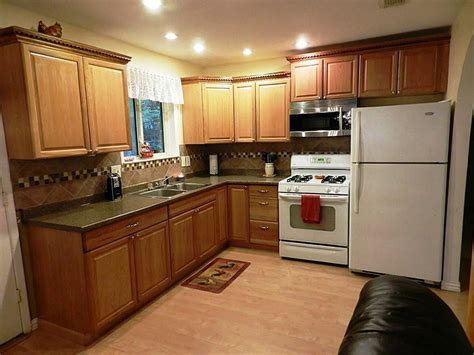 what color to paint kitchen cabinets with black appliances kitchen kitchen paint colors with oak cabinets and white