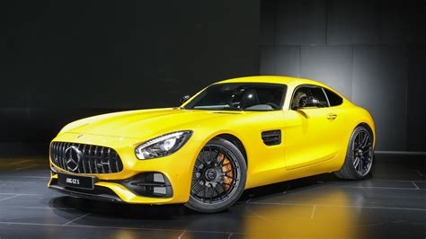 Mercedes Gt Coupe by New Mercedes Amg Gt C Coupe Is The Friendlier Gt R In Detroit