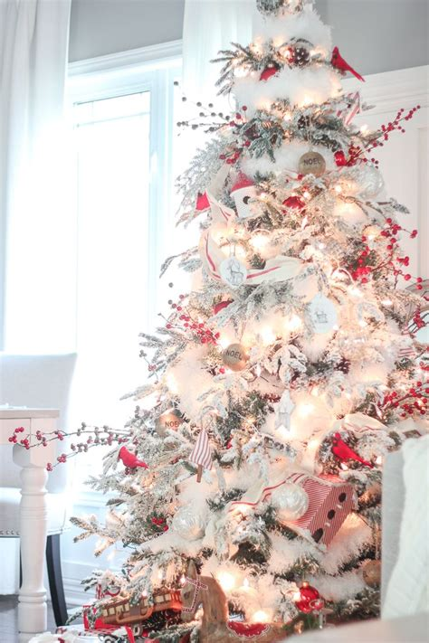 decorated flocked trees 25 best ideas about flocked trees on