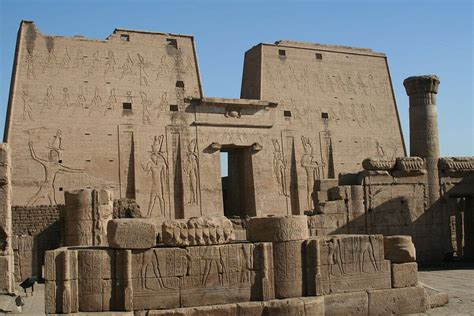 Bathroom Decorating Ideas Budget top 12 ancient egyptian architecture designs