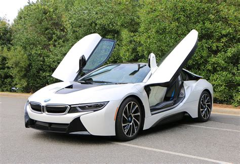 B W Car Wallpaper by Bmw I8 Models Are Still Available At Bmw Dealerships