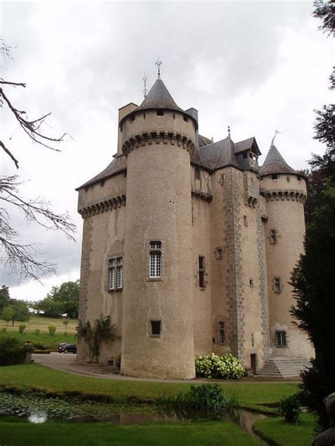 castles for sale in buy a castle castles and chateaux for sale