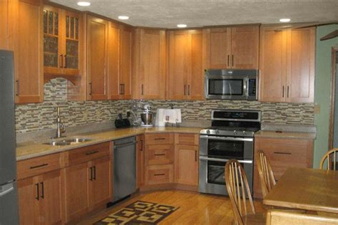 paint colors for a kitchen with oak cabinets selecting the right kitchen paint colors with maple