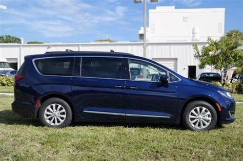 Blue Chrysler Pacifica by 2c4rc1bg3hr520886 2017 Pacifica Touring L Jazz Blue