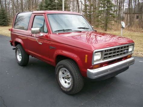 sell used 1984 ford bronco ii xlt 4 x 4 rust free v6 automatic in noblesville indiana