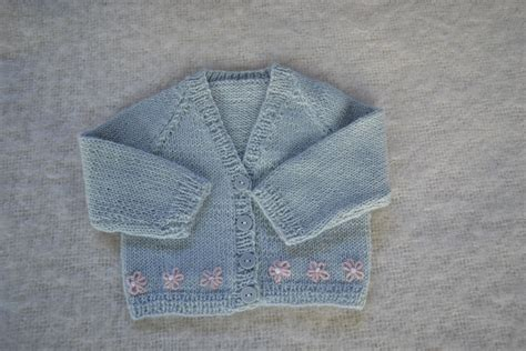 free newborn baby knitting patterns cardigans baby cardigan knanaknits