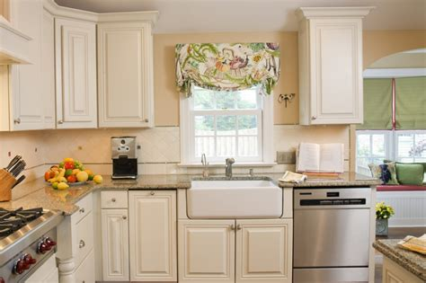paint ideas for kitchen with cabinets the ideas in painting kitchen cabinets silo