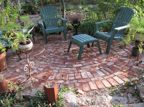 brick patio ideas 25 best ideas about brick patios on brick