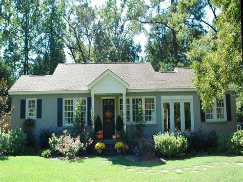 paint colors for small houses small house exterior colors for the home