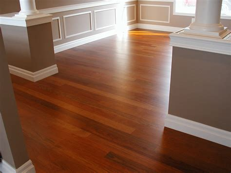 paint colors with wood floors best 25 cherry floors ideas on cherry wood