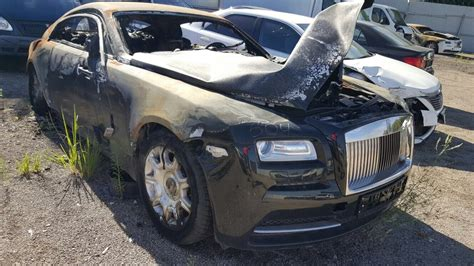 Fire Damaged Rolls Royce Wraith Selling for ?40,000