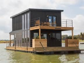 chip and joanna gaines fix up a rundown houseboat today