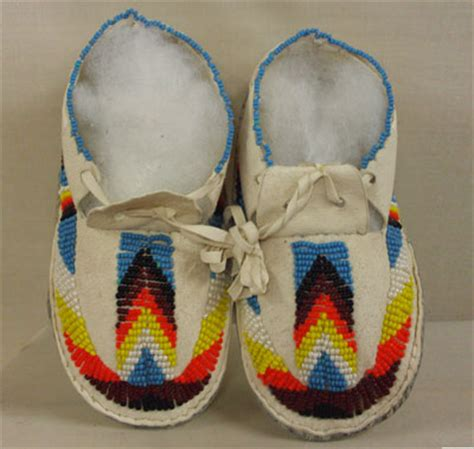 moccasin beading designs beading patterns for moccasins images