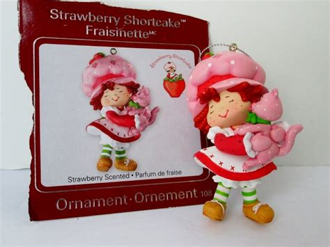 strawberry shortcake ornament carlton strawberry shortcake with custard the