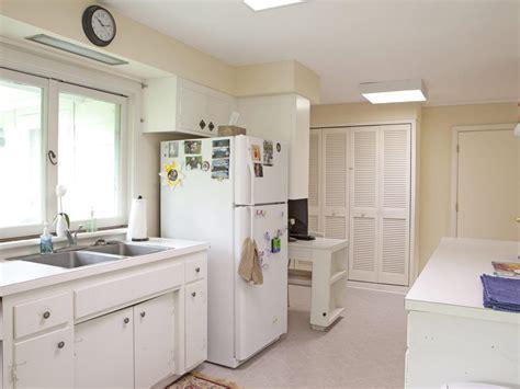 15 white small kitchen designs and decorating ideas small kitchen decorating ideas pictures tips from hgtv