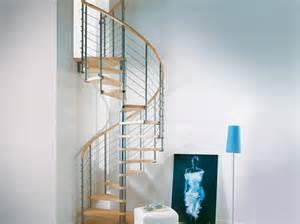 escalier h 233 lico 239 dal design bois et m 233 tal photo 2 10 id 233 al pour 233 conomiser de l espace style