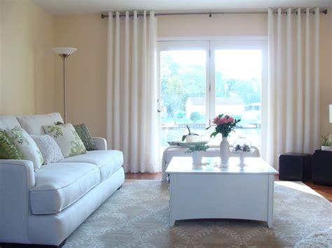 living room windows 20 different living room window treatments