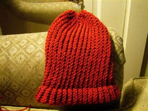 knitting hat on loom make a hat on a circular loom i loom and loom knitting
