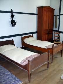 primitive bedroom furniture 365 best shaker style images on shaker style