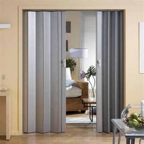 como poner una puerta plegadiza decorativa