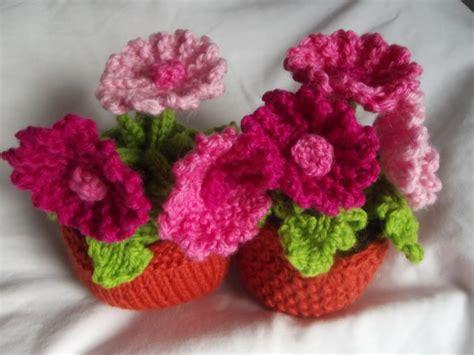 knit flowers knit your own plant kitset gerbera felt