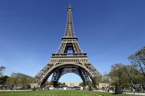 home of the eifell tower eiffel tower cultural icon of found the world