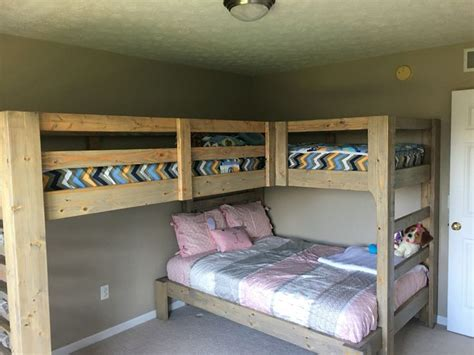 bunk beds for 3 or more best 20 bunk beds ideas on bunk