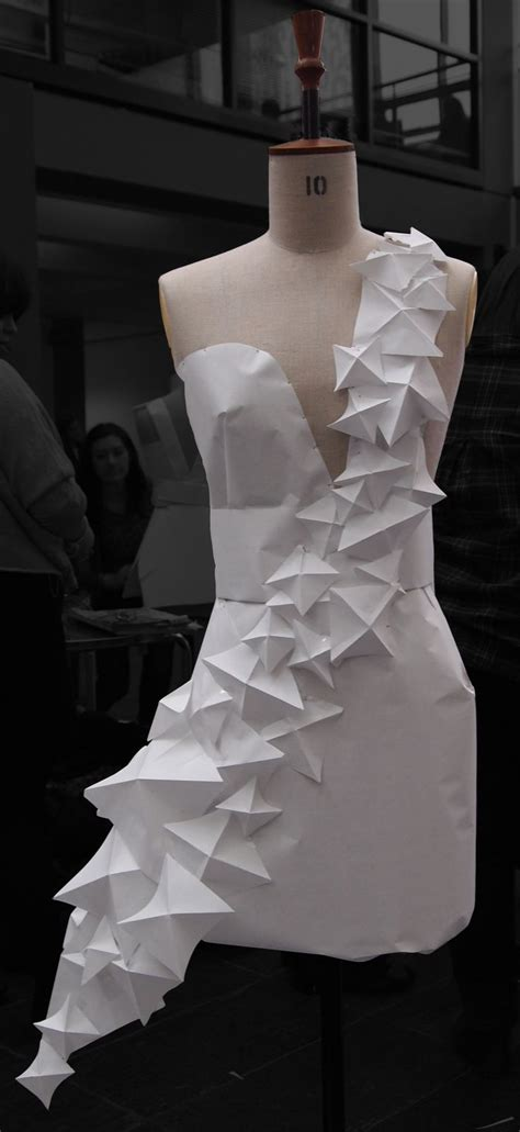 origami inspired dress 25 best ideas about paper dresses on paper