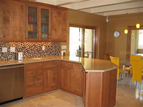 names of paint colors for kitchen cabinets kitchen paint colors with oak cabinets i like the back