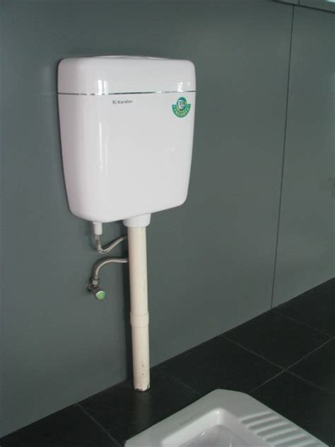 Watertank Toilet by Lower Cistern Type And Dual Flush Feature Plastic Toilet