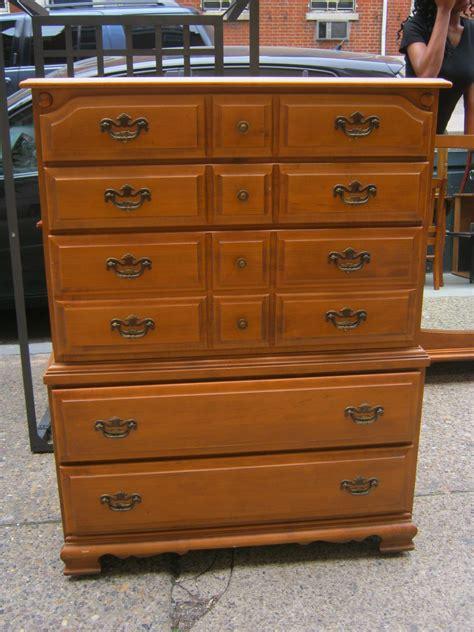 maple bedroom furniture uhuru furniture collectibles maple bedroom set sold