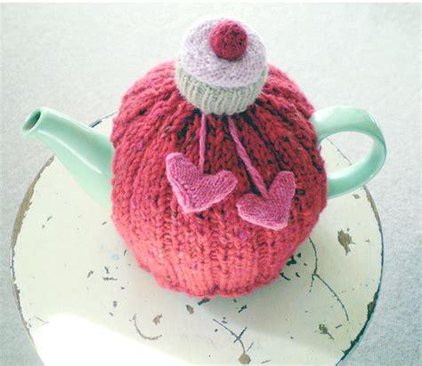 tea cozy knitting pattern ribbed tea cosy cosy tea