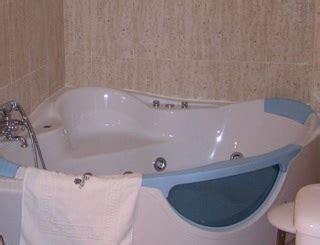 hotel con jacuzzi en la habitacion en toledo hoteles con jacuzzi privado en la habitaci 243 n en toledo