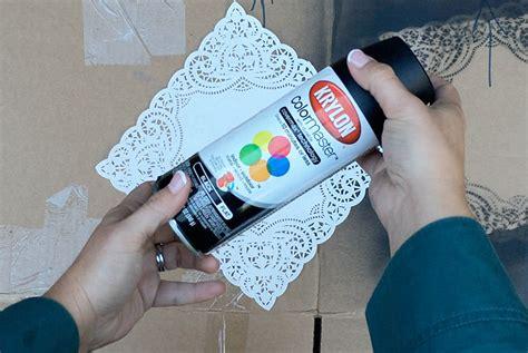 paper use spray paint diy tutorial free printable vintage iron wedding