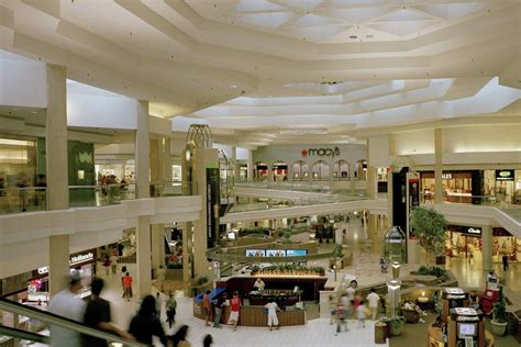 in mall chicago malls and shopping centers 10best mall reviews