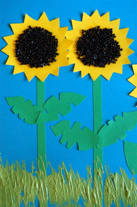 sunflower crafts for sunflower patch craft i crafty things