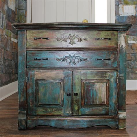 chalk paint distressed furniture 1000 ideas about distressing painted furniture on