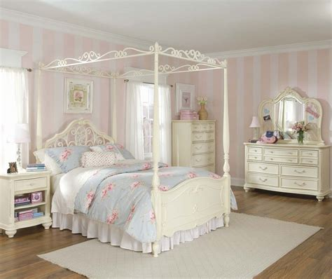 bedroom furniture canopy how to choose bedroom sets for a princess ward log