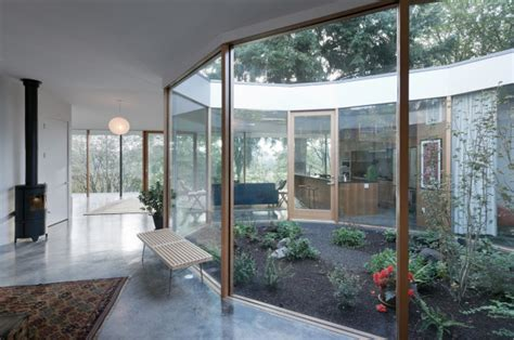 homes with courtyards 10 modern houses with interior courtyards design milk