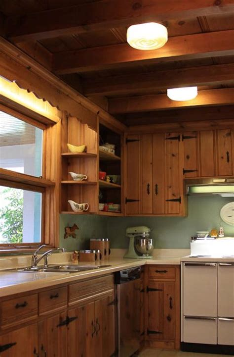 best paint colors for kitchens with pine cabinets retro design dilemma choosing colors for michaela s