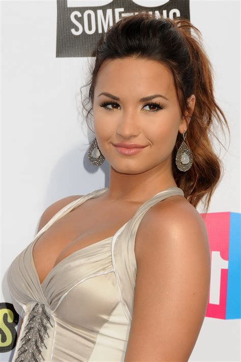 free one demi lovato showing cleavage at 2011 do something