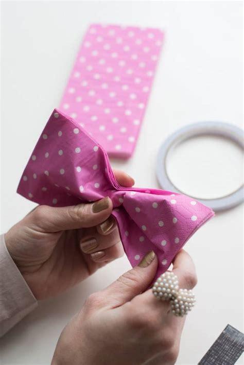 pliage de serviette en forme de nœud papillon guide astuces