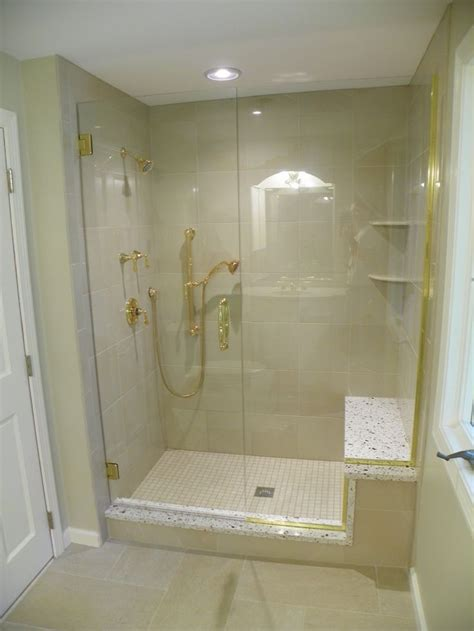 Small Bathroom Ideas With Shower Stall by Best 25 Fiberglass Shower Stalls Ideas On