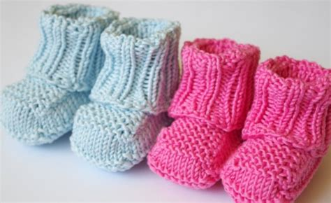 how to knit baby booties for beginners no sew knitted baby booties free knitting pattern